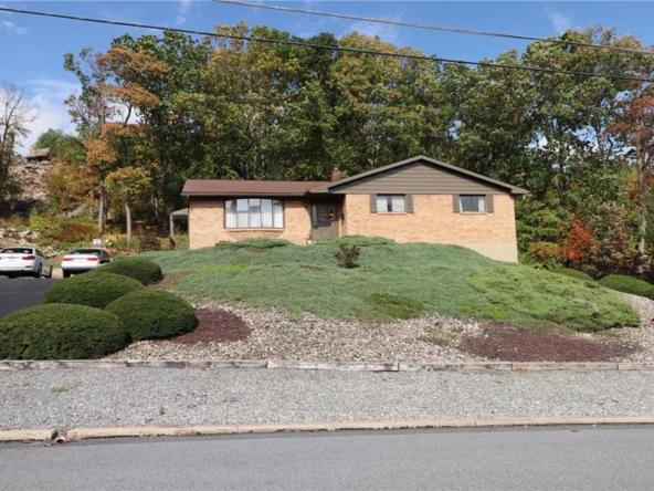 Property at 825 E. Princeton Ave.